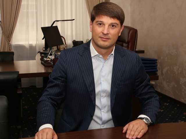 Глава Киевоблгаза Дмитрий Дронов попался на огромной взятке и зачищает инфо в интернете