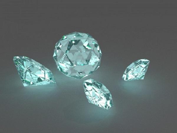 """Полные трусы бриллиантов: в """"Борисполе"""" поймали необычных контрабандистов"""