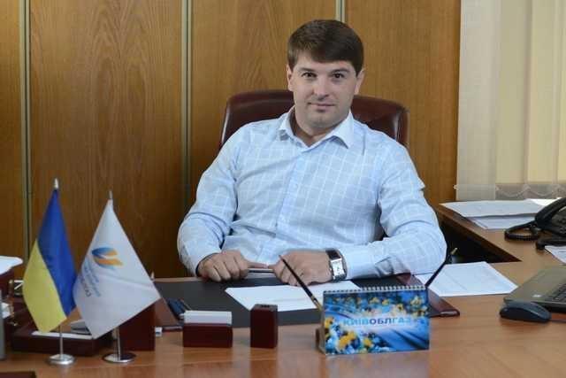 Дмитрий Дронов из Киевоблгаза, пойманный при получении огромной взятки, зачищает об этом информацию