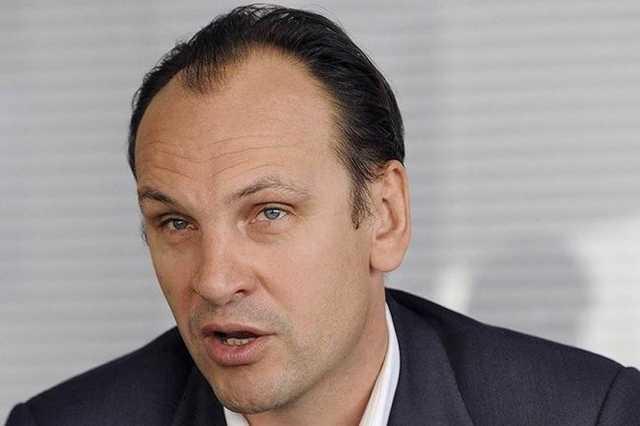 Уголовник Михаил Хабаров накупил Porche на сворованные у россиян деньги