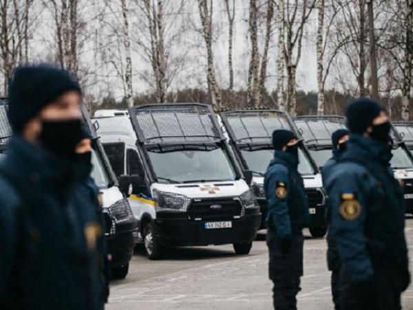 Пьяные нацгвардейцы «при исполнении» подрались на Майдане: в сети всплыло скандальное видео