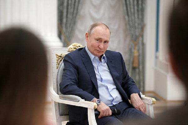 Путин пошутил про дворец