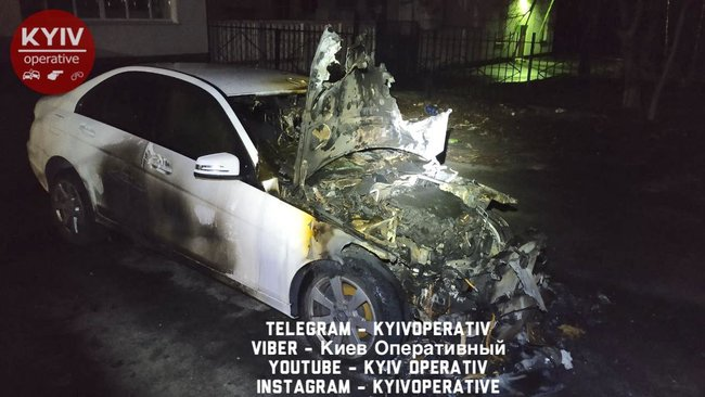 Месть за измену: в Киеве экс-депутат Даниленко поджег автомобиль жены и квартиру, где находились четверо несовершеннолетних детей 06