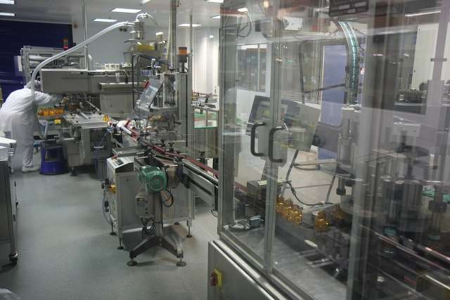 Производственная фармакологическая  линия